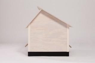 hundeh tte f r die wohnung wei es dach schwarzer sockel. Black Bedroom Furniture Sets. Home Design Ideas